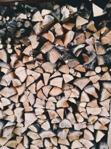 firewood-1209440_1280